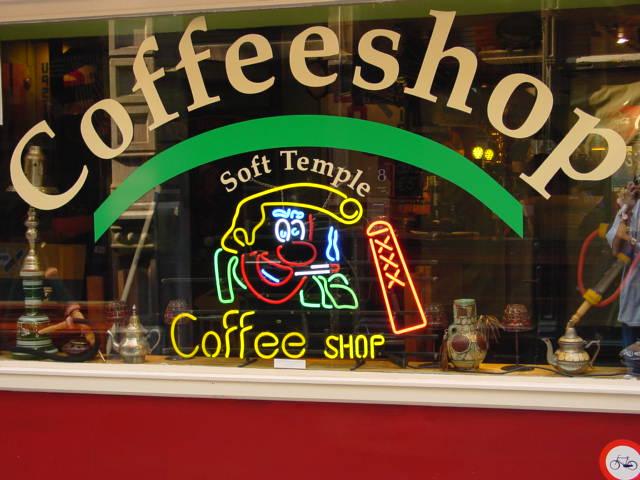 Les coffee shops equipes de wifi pour miser sur des jeux en ligne?