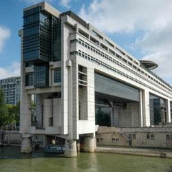 Bercy en passe de légaliser les casinos en ligne en France
